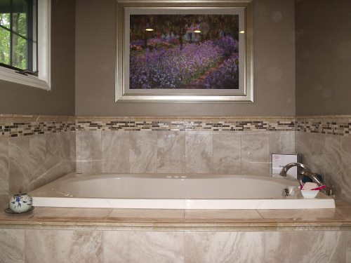 Beautiful tiled tub surround